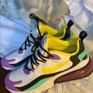NIKE 270 REACT sneakers. Never worn. Size 7.5